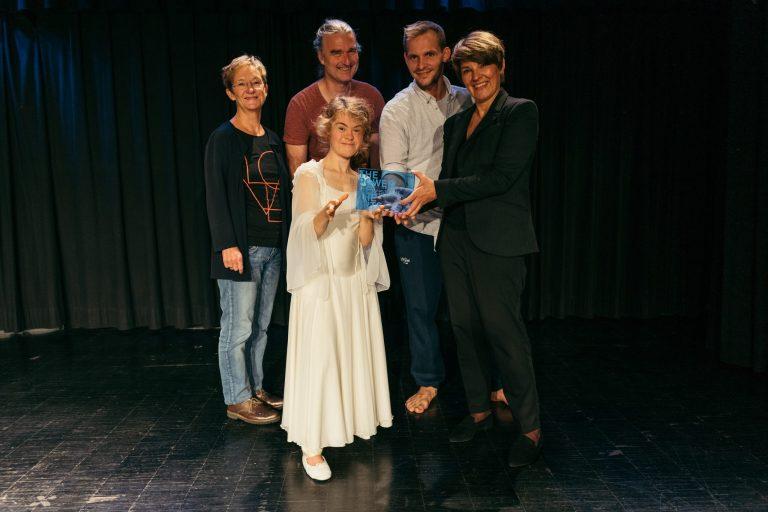 Kulturzentrum Dieselstrasse - vorne: Laura Brückmann, Elfriede Buben hinten: Sabine Bartsch, Hans Fickelscher, Johannes Plattner (jeweils v.l.n.r.) © Antony Sojka